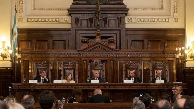 La Corte suspendió la audiencia sobre Farmacity y dejó en offside una agresiva campaña en redes