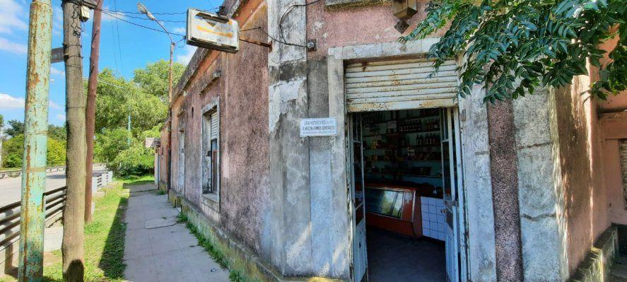 La fachada del viejo almacén El Pato