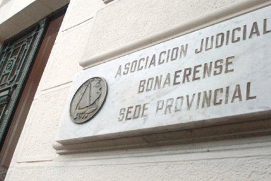 Mar Chiquita: una jueza fue a trabajar con síntomas y tenía coronavirus