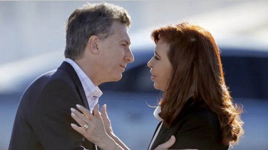 Macri dijo que sólo dialogaría con Cristina si está la Constitución Nacional sobre la mesa.