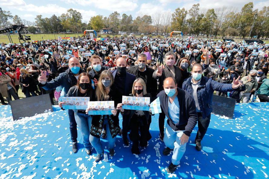 Máximo Kirchner y Martín Insaurralde de campaña en Lomas