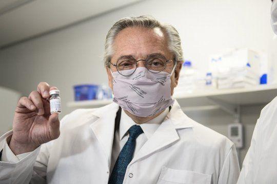 Alberto Fernández recorrió los laboratorios donde se desarrolló el suero equino hiperinmune anti COVID-19