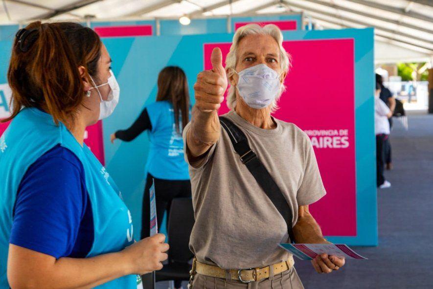 Casi tres millones de bonaerenses pasaron por un centro de vacunación para recibir la primera dosis de la vacuna contra el coronavirus.