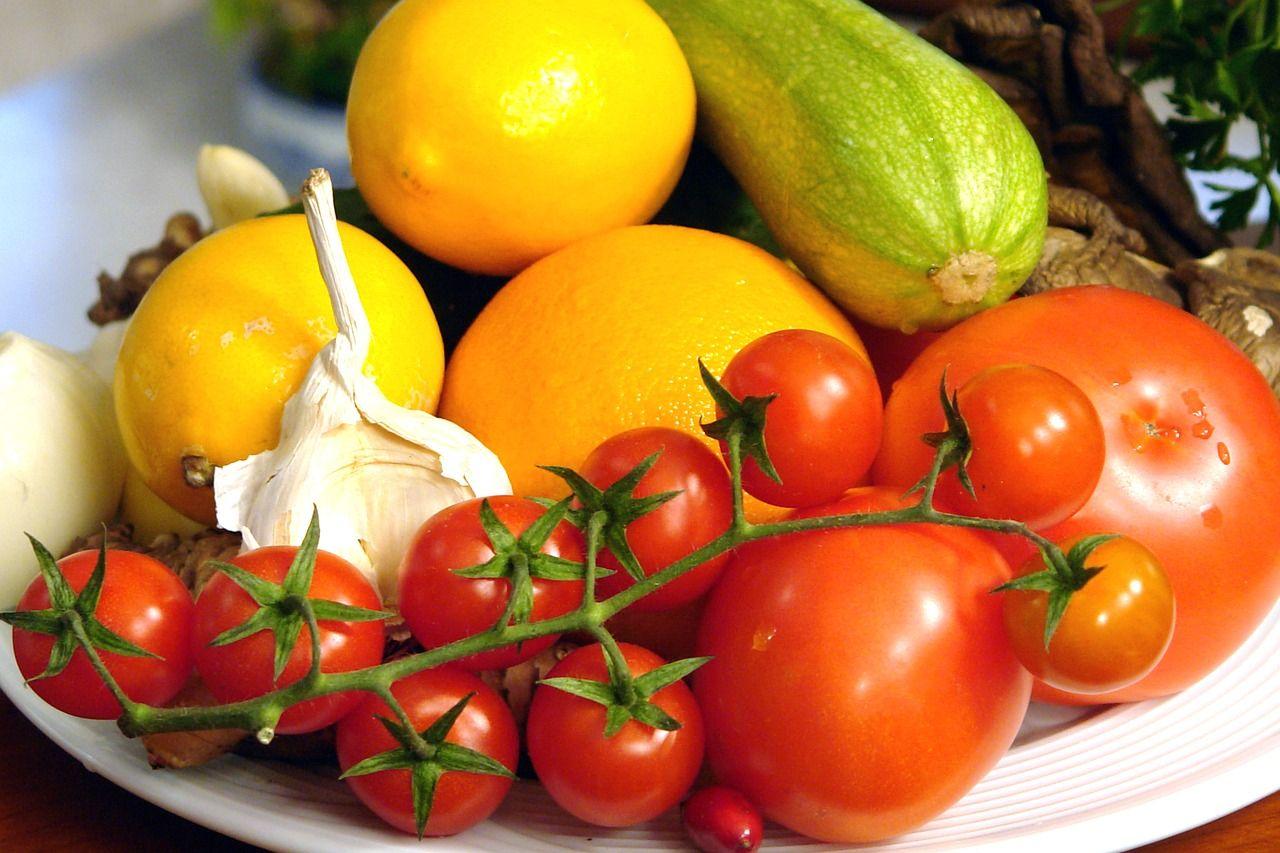Seis de cada 100 argentinos comen las cinco porciones de fruta y verdura diarias