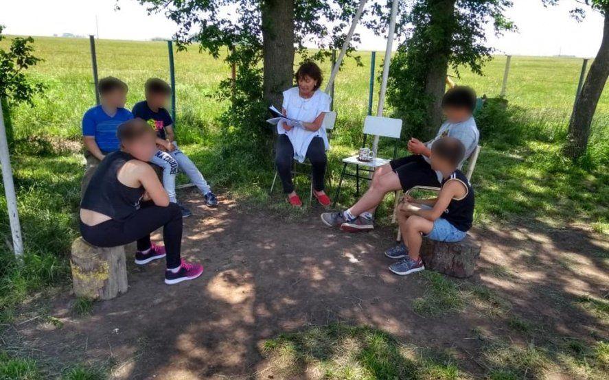 Escuelas rurales: ¿Cómo es dar clases en el campo con pocos recursos?