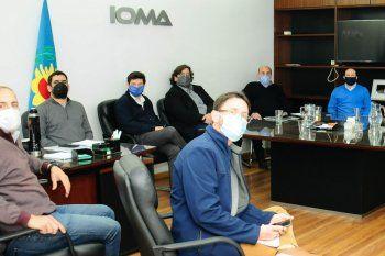 Las negociaciones entre IOMA y la AMP se dilatan, y los médicos quieren bajarse de las prestaciones para la obra social estatal.
