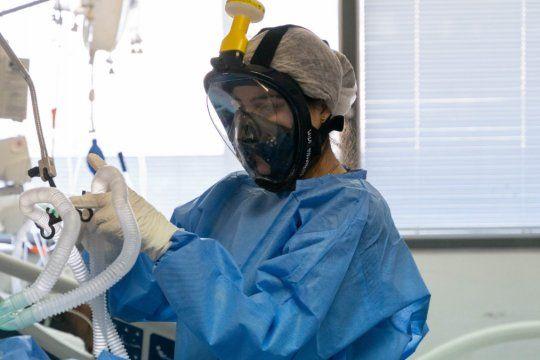 El Comité de Ética capacita a los médicos en caso de que tengan que decidir a qué paciente atender si colapsa el sistema de salud por el coronavirus.