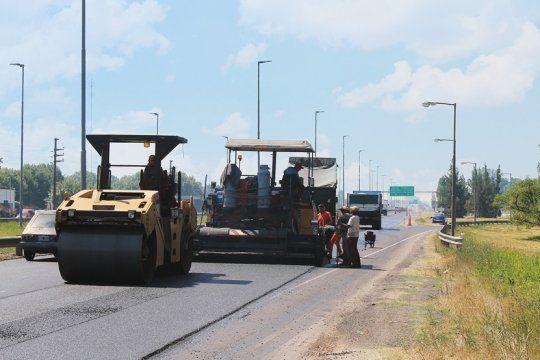 reducen un carril de la autopista la plata - buenos aires por obras de repavimentacion