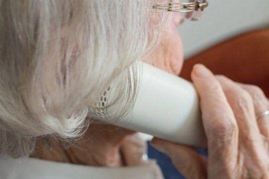 Una jubilada de 83 años perdió un millón de pesos y joyas en una estafa