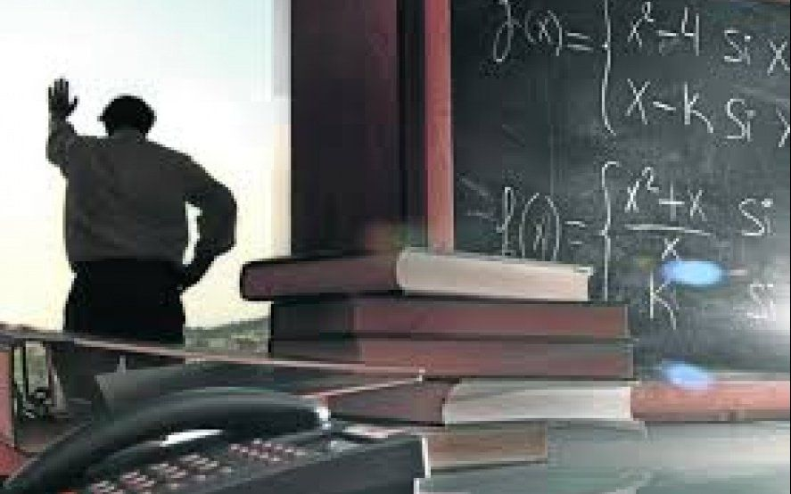 La Plata: una madre y un estudiante golpearon a un docente porque lo había desaprobado