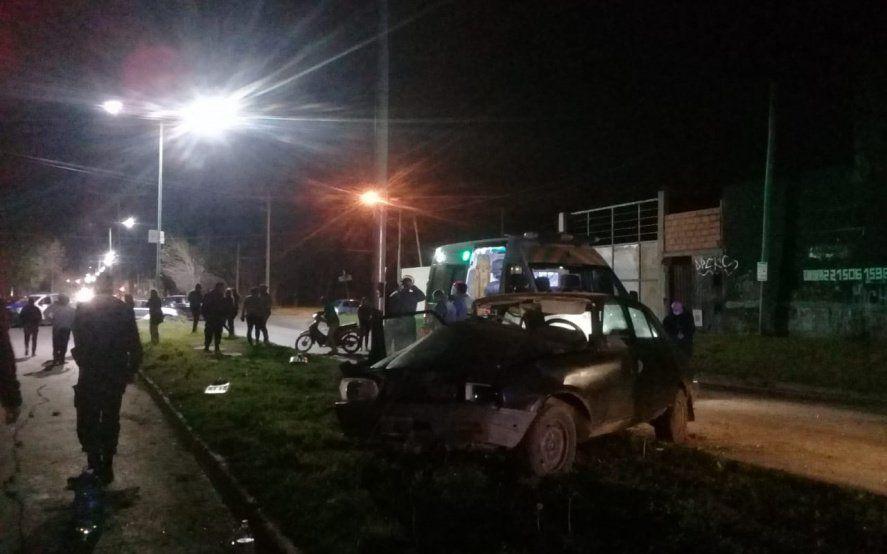 Una nena de 4 años murió en un accidente cuando un auto chocó a un poste
