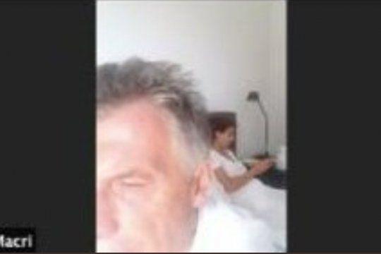 La imagen de Macri que apareció en el zoom de Juntos por el Cambio en la que se lo ve desde su cama matrimonial