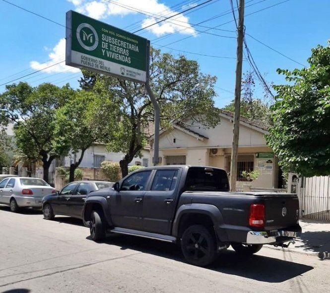 Detienen a funcionarios municipales por venta de tierras