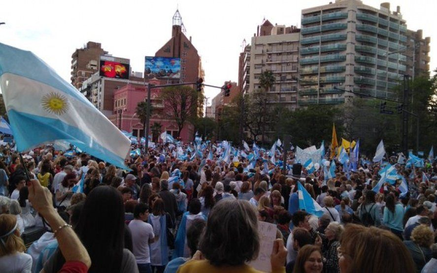 Video: en el acto del Sí se puede, la gente de Macri aplaudió y agradeció a la Gendarmería
