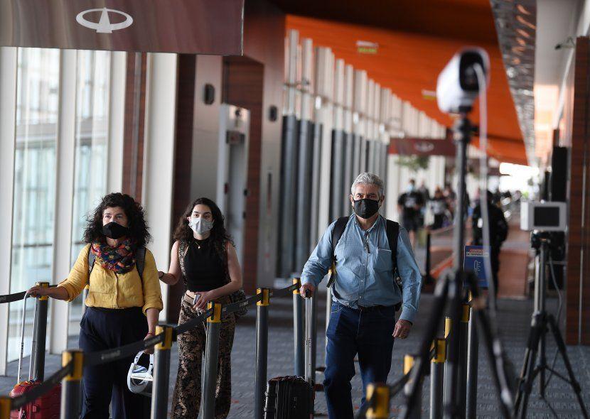 Los argentinos que ingresen al país podrán seguir eligiendo presentar PCR negativo
