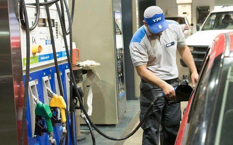 El Gobierno le ofreció a las petroleras un subsidio por el congelamiento en las naftas