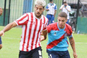 Deian Verón fue parte de la primera victoria de la reserva de Estudiantes.