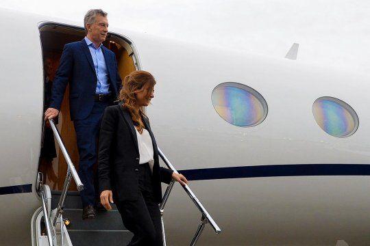 Mauricio Macri viajó a España donde estará un mes. Fue criticado por romper el aislamiento. A la vuelta, deberá pasar cuatro días en un hotel.