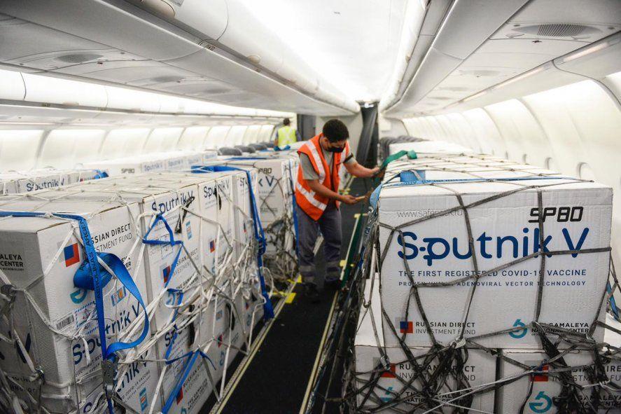 Llegan más vacunas Sputnik V: este domingo se distribuirán 127 mil dosis a la provincia de Buenos Aires