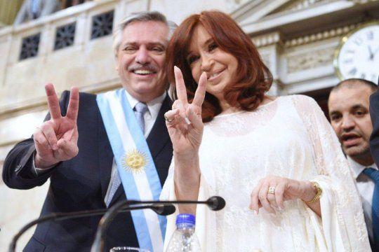 Cristina Fernández de Kirchner junto a Alberto Fernández, a un año de ganar las elecciones.