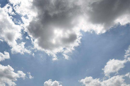 El pronóstico del SMN indicó que será una jornada de muchas nubes en la Provincia.