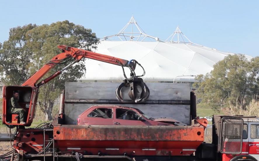 Avanza el plan para sacar los autos abandonados en las calles de La Plata