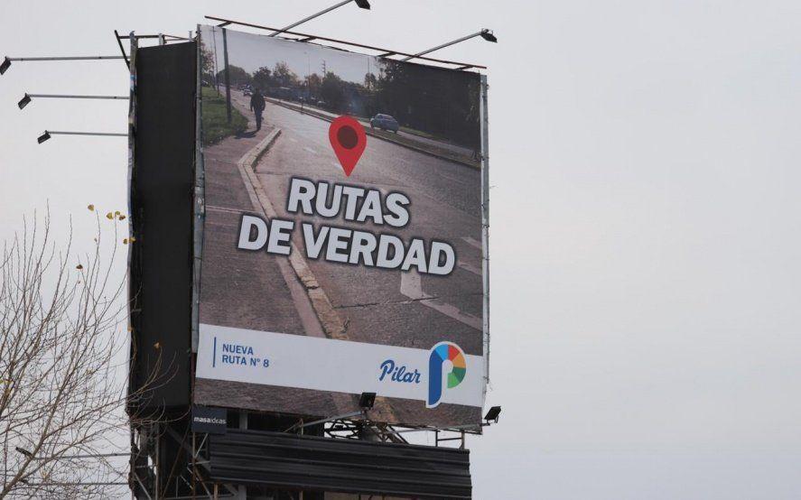 Ducoté municipaliza la elección y esconde a Macri en su campaña