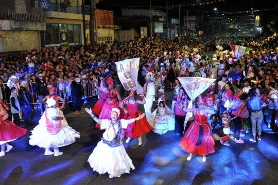 con mas de 100 murgas y bandas en vivo, arrancan los carnavales de la alegria en la matanza