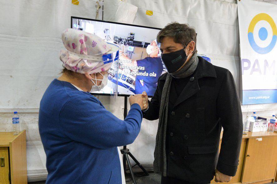 Axel Kicillof, desde un vacunatorio en Hurlingham, anunció la nueva línea de créditos del Banco Provincia para enfermeros y enfermeras.