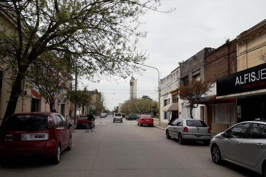 La localidad de Gonzales Chaves celebró no tener casos de Covid con un toque de sirenas en el cuartel de Bomberos