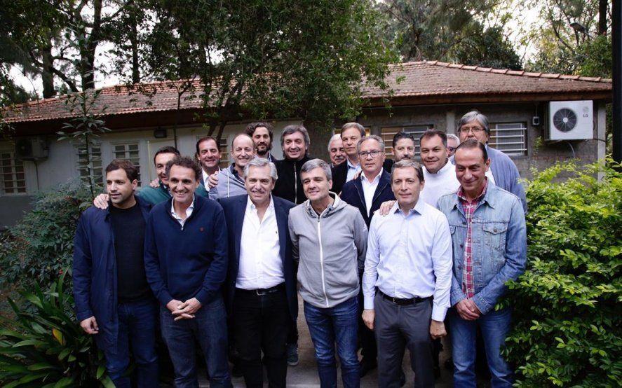 Alberto Fernández y Máximo Kirchner encabezaron una reunión con intendentes peronistas