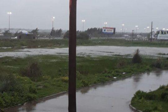 imagenes: el temporal afecta a varias localidades del conurbano y el interior de la provincia