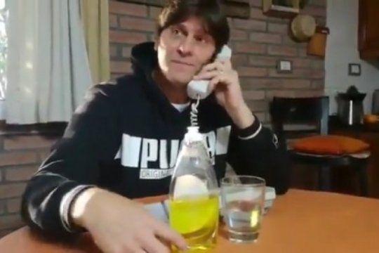 desopilante: un idolo de racing parodio la llamada de vidal y exploto en las redes