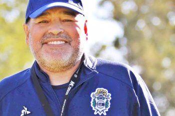 En el nombre del Diez: las propuestas que tiene Gimnasia para homenajear a Maradona