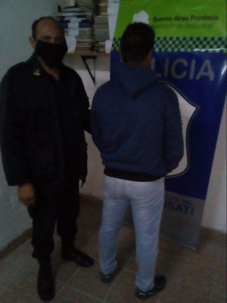 La Plata: baleó al hombre que estaba con su esposa en un auto