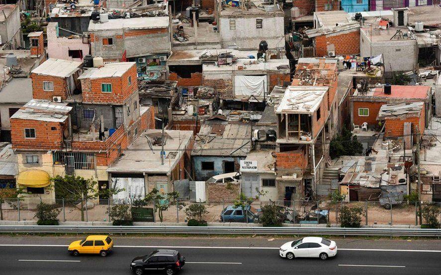 Un estudio evaluó el efecto de la última devaluación y asegura que la pobreza es de 37%