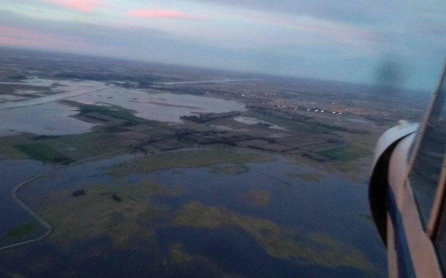 Impresionantes imágenes de la inundación en Dolores: desde el Municipio aseguraron que no hay peligro