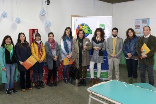 loteria bonaerense y telekino entregaron una tonelada de alimentos a un jardin de infantes en tandil