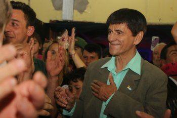 Chinchu Gasparini, intendente de Roque Pérez, hizo tendencia a Putín y llegó a la tapa de Clarín