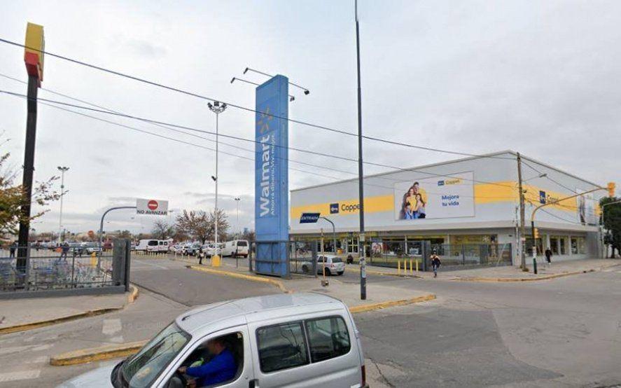 Después de las denuncias de los trabajadores, el Walmart de San Justo reabre sus puertas