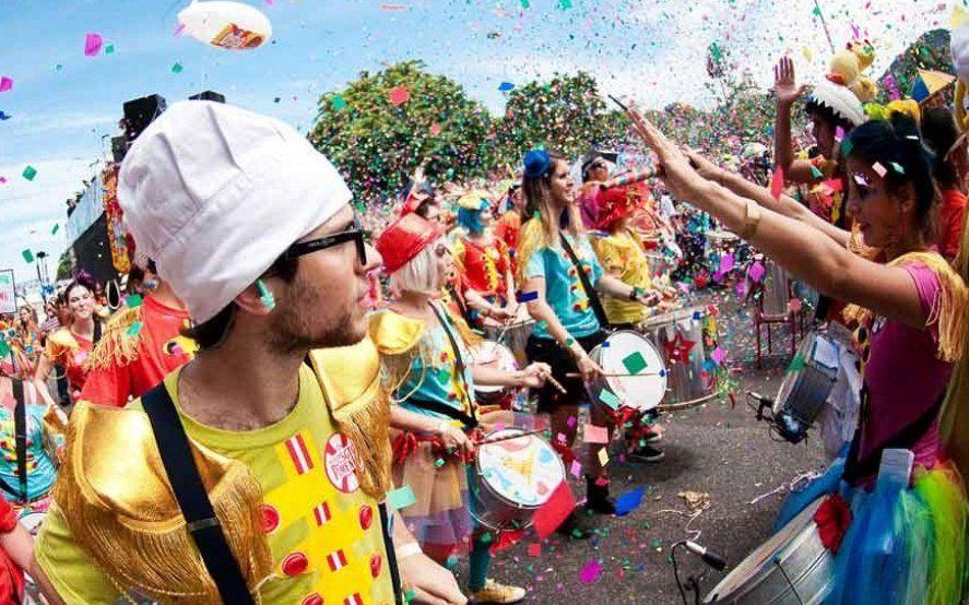 Luego de la lluvia, hoy continúa el carnaval en la República de los niños